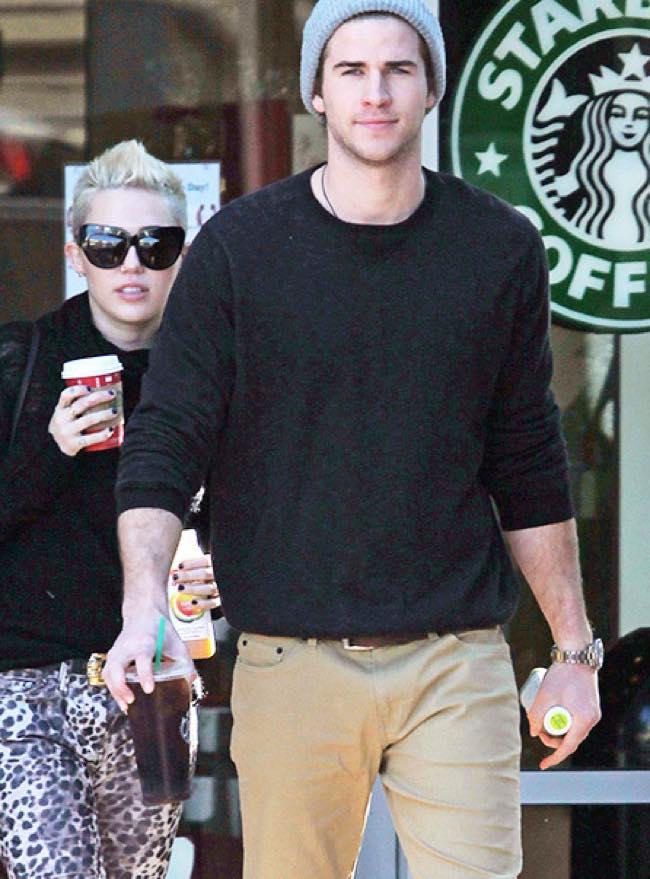 Miley Cyrus se la fa con Liam Hemsworth