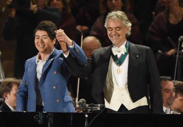 outlet store ed706 09457 Expo 2015, Andrea Bocelli indossa il braccialetto ...