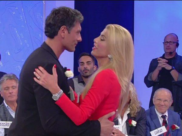 Angelo Uomini e Donne trono over fine della storia con Anna Tedesco e lei lascia il programma