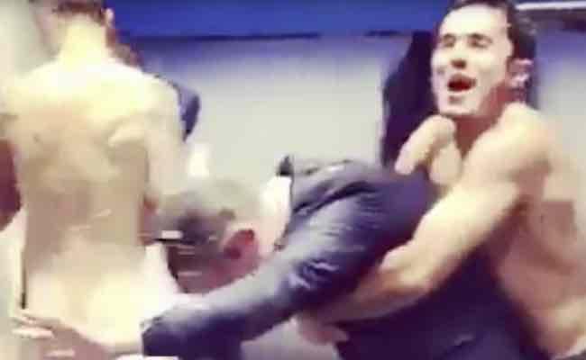 Mauro Icardi festeggia nudo negli spogliatoi su instagram VIDEO