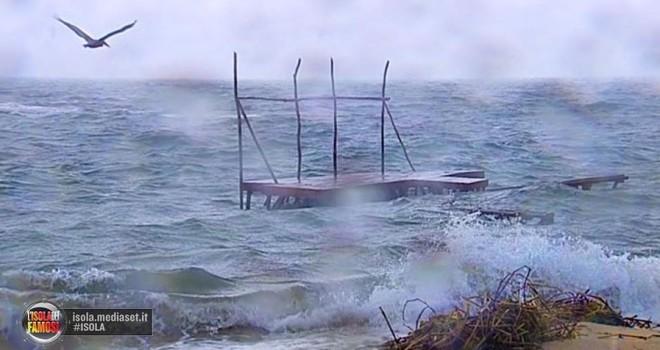 Isola dei famosi seconda puntata salta ancora per nuovo ciclone in Honduras?
