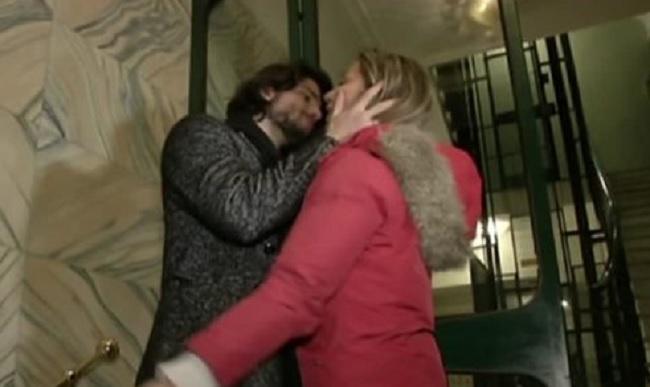 Luca Onestini bacia tutte Soleil in estasi tra muscoli e abbracci e il calore di Luca