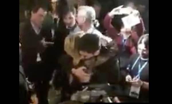 Lele da Sanremo ospite ad Amici da Maria De Filippi l'abbraccio