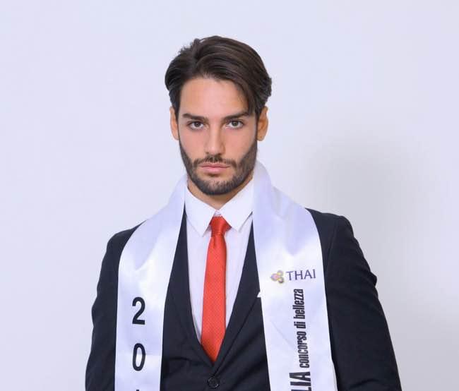Mister Italia 2016 Giuseppe Alfano ospite da Barbara D'Urso a Pomeriggio 5