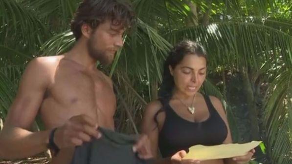 Isola Nancy e Simone si mangiano il pollo in barba la gruppo. Hanno fatto bene?