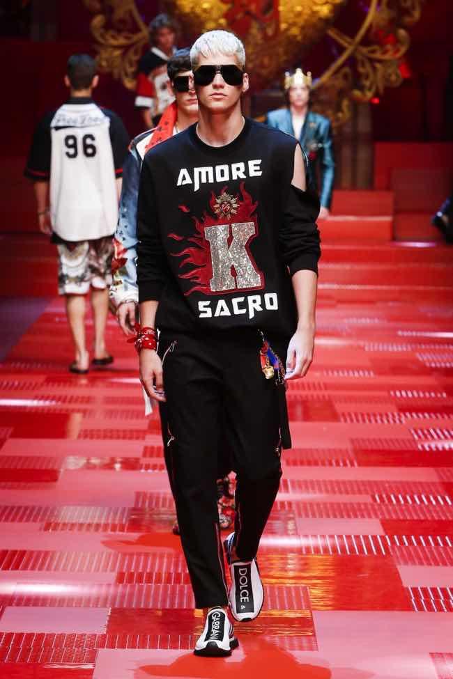 dolce-and-gabbana-summer-2018-men-fashion-show-runway-39-800×1200. 20  Giugno 2017 Sfilata Dolce e Gabbana Milano le foto dei modelli più belli 9a307a594ce