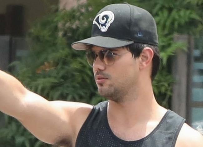 Taylor Lautner di Twilight ingrassato e irriconoscibile [foto]