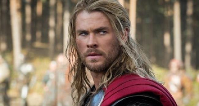 Chris Hemsworth torna nei panni del Dio del tuono nel nuovo film Thor: Ragnarok