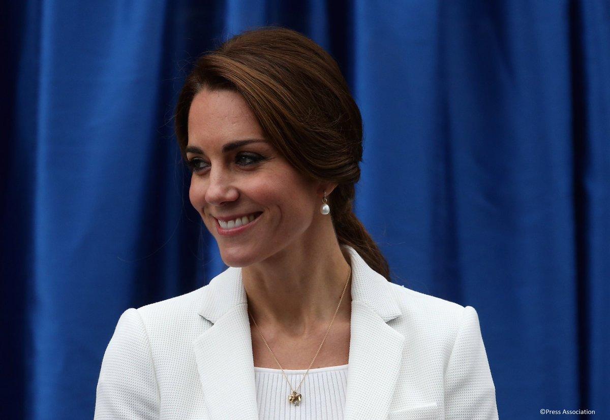Kate Middleton incinta del terzo figlio sta male e annulla gli impegni