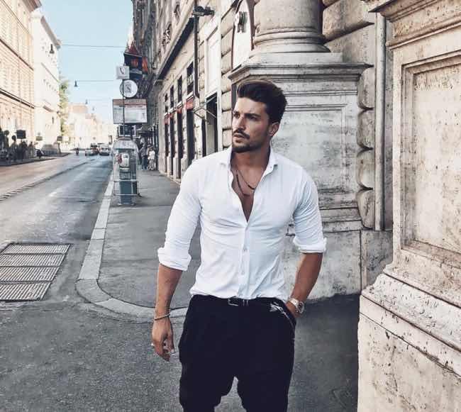 Milano Moda Donna Mariano Di Vaio apre lo show a Milano