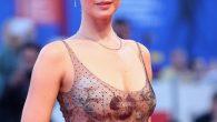 Jennifer Lawrence a Venezia fischiato il film Mother ma lei è bellissima