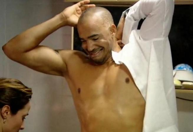 Amaurys Perez nudo o no è primo nel toto vincitore dell'isola dei famosi