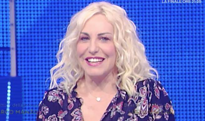 Antonella Clerici Sanremo 2018 abito e stilista al festival con Sanremo Young