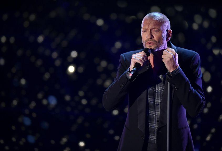 Biagio Antonacci Sanremo 2018 abito e stilista che look ha scelto?