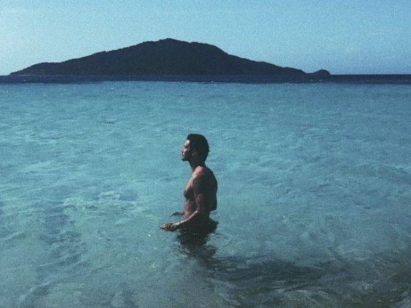 Isola dei Famosi Stefano De Martino inviato senza spessore