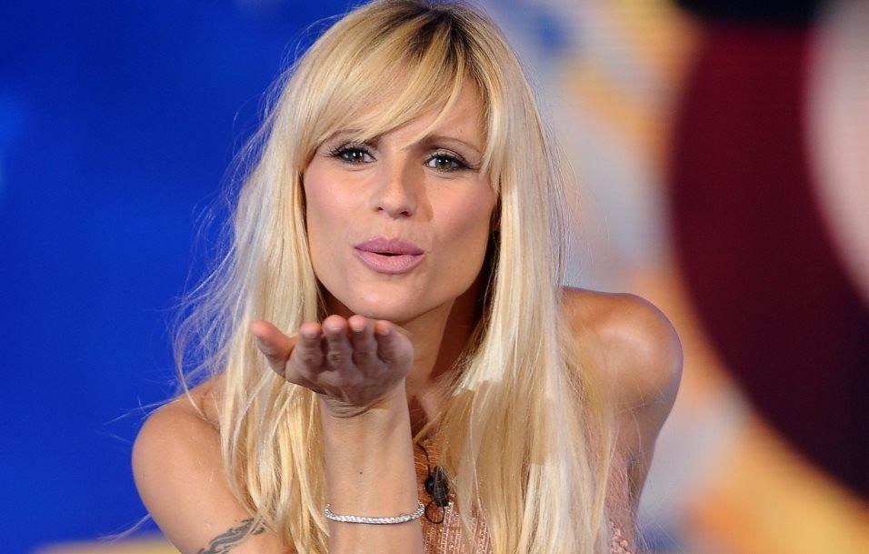 Abito Michelle Hunziker Sanremo 2018 che stilista ha scelto?