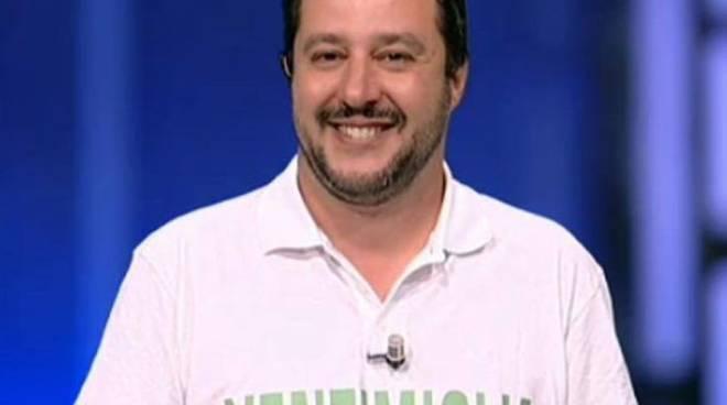 Belen Rodriguez sostiene Francesco Monte sul caso marijuana all'Isola dei famosi