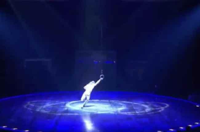 Cirque du Soleil: morte in diretta per acrobata. Polemica su mancanza rete