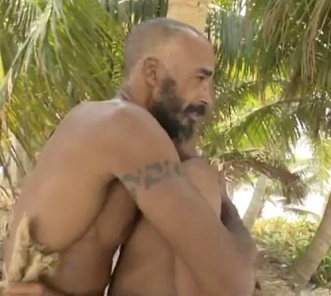 Isola dei famosi Amaurys e Jonathan si baciano in bocca e fanno pace