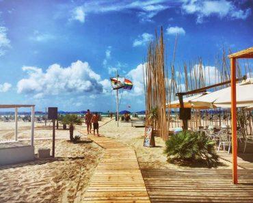 Versilia Torre Del Lago il Comune dice no alla spiaggia dei gay