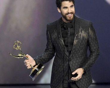 Darren Criss in abito Giorgio Armani agli Emmy Awards 2018