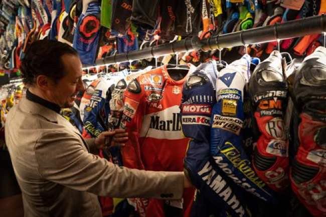 Stefano Accorsi e la sua passione per i motori e la sicurezza sportiva