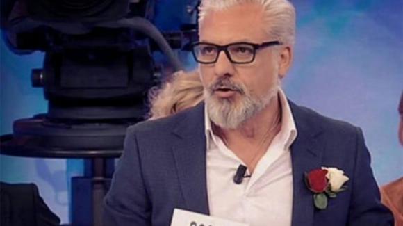 Rocco Fredella di Uomini e donne over mostra il fisico e annuncia il suo matrimonio