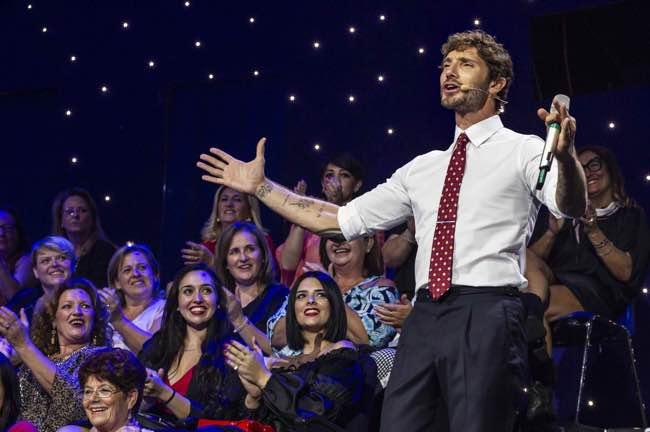 Stefano De Martino nuovo successo con Stasera Tutto è possibile