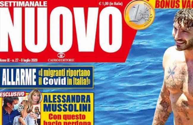 Stefano De Martino in barca con una bionda ma non è la sua fidanzata